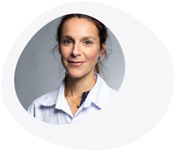 Dr Méd. <strong>Julie BENARD</strong>